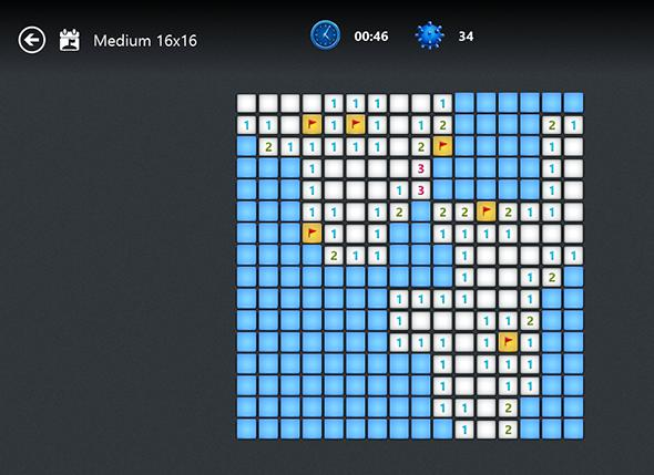 minesweeper medium   8 Features Missing in Windows 8 and How To Get Them Back
