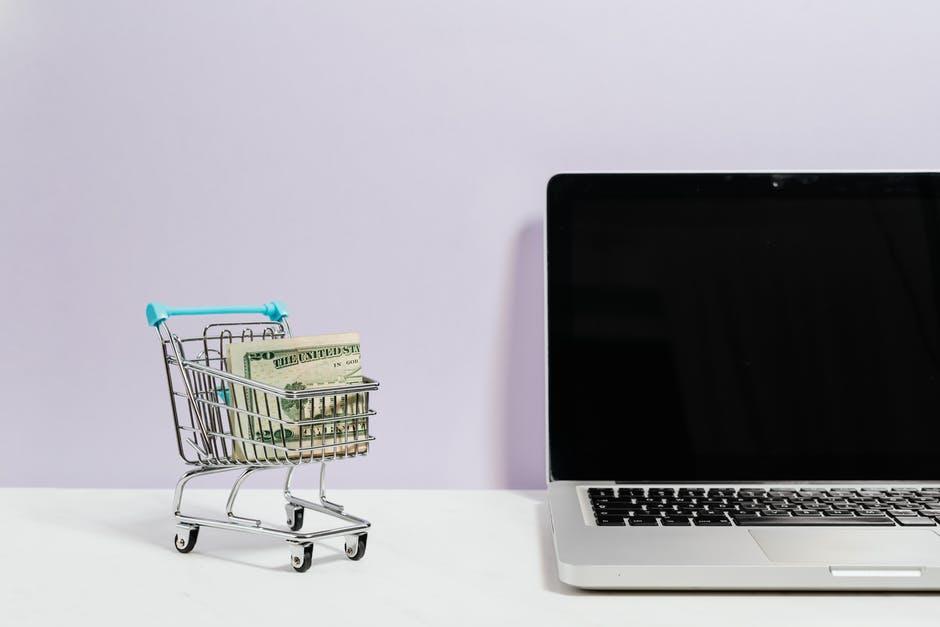 uang untuk laptop